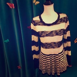 PIECES BY KENSIE Black Ivory Striped LS Sweater M